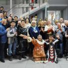 Общее фото участников фестиваля косторезного искусства.