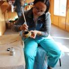 Член жюри М.Боцман на мастер-классе по обработке деревянных изделий