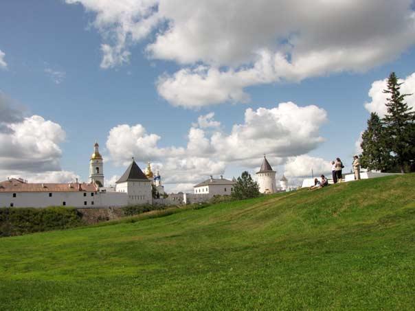 Вид на Тобольский Кремль из сада Ермака